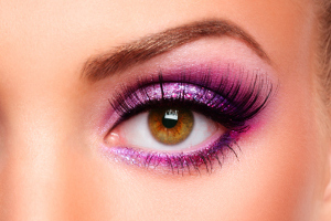 glitter-purple-makeup-amber-eyes